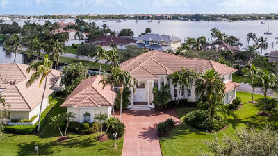 Palm City Single Family Home For Sale: 900 SW Bay Pointe Circle