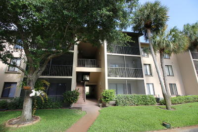 Greenacres Condo For Sale: 205 Foxtail Drive #D1