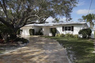 Broward County Single Family Home For Sale: 2731 NE 9th Court