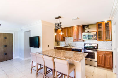 North Palm Beach Single Family Home For Sale: 1904 Circle Drive