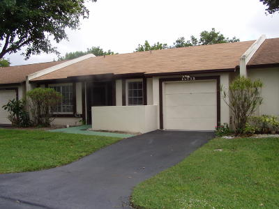 Delray Beach Single Family Home Contingent: 15832 Laurel Oak Circle