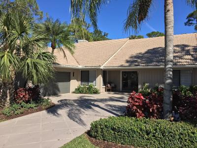 Palm Beach Gardens Single Family Home For Sale: 21 Rabbits Run