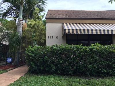 Palm Beach Gardens Single Family Home Contingent: 11210 Curry Drive