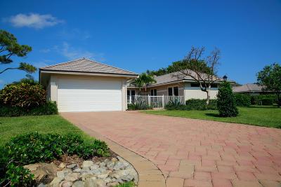 Boynton Beach Single Family Home For Sale: 14 Garden Drive