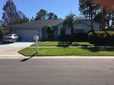 Royal Palm Beach Single Family Home For Sale: 141 Lexington Drive