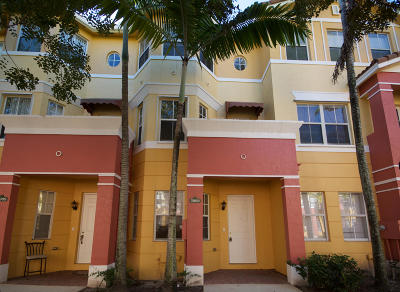 Royal Palm Beach Townhouse For Sale: 3908 Shoma Drive