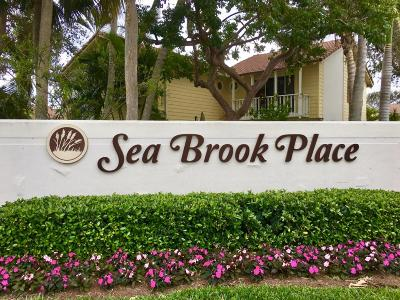 Townhouse For Sale: 175 Seabreeze Circle
