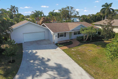 Tequesta Single Family Home For Sale: 75 Yacht Club Place