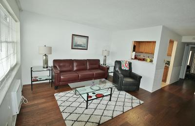 West Palm Beach Condo For Sale: 20 Bedford A