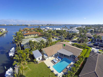Lake Worth Single Family Home For Sale: 22 Harbor Drive