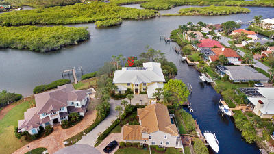 Tequesta Single Family Home For Sale: 8818 SE Riverfront Terrace