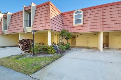 North Palm Beach Condo For Sale: 394 Golfview Road #D
