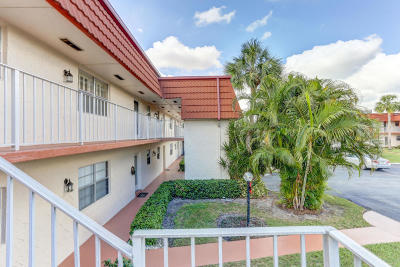 Royal Palm Beach Condo For Sale: 12017 Greenway Circle S #203