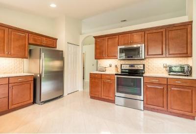 Boynton Beach Single Family Home For Sale: 5903 Royal Isles Boulevard