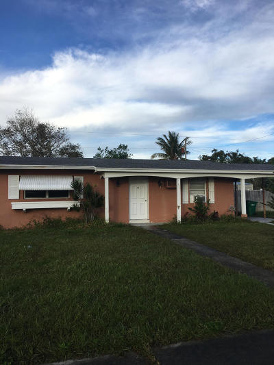 Port Saint Lucie Single Family Home For Sale: 775 Solaz