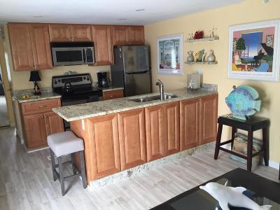 Broward County, Palm Beach County Mobile Home For Sale: 7 Cedar Drive #E