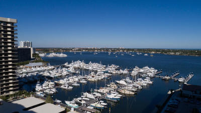 North Palm Beach Condo For Sale: 100 Lakeshore Drive #2156