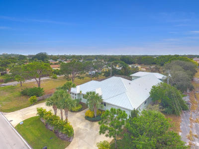 Tequesta Single Family Home For Sale: 4412 County Line Road