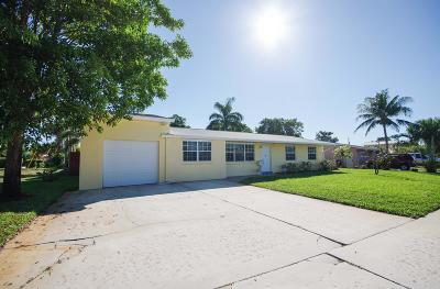 North Palm Beach Single Family Home Contingent: 729 Buttonwood Road