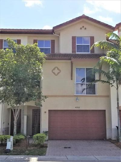 Delray Beach Townhouse For Sale: 4722 S Prive Circle