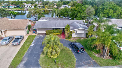 Pembroke Pines Single Family Home For Sale: 8111 NW 13th Street