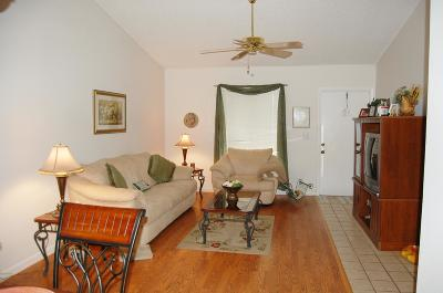 Jupiter Condo Contingent: 6299 Chasewood Drive #E