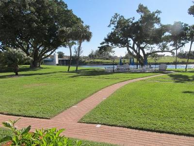 North Palm Beach FL Condo For Sale: $139,000
