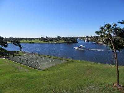North Palm Beach Condo Contingent: 374 Golfview Road #406