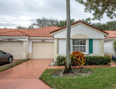 Delray Beach Townhouse For Sale: 15408 Rosaire Lane
