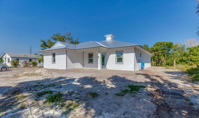 Jensen Beach Single Family Home For Sale: 4775 NE Savannah Road