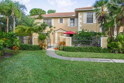 Palm Beach Gardens Townhouse For Sale: 357 Prestwick Circle #4