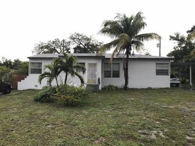 West Palm Beach FL Multi Family Home For Sale: $154,000