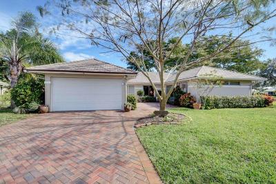 Boynton Beach Single Family Home For Sale: 11585 Lake Drive