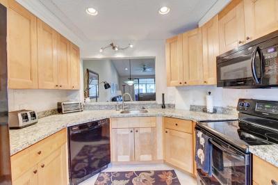 Delray Beach Condo For Sale: 7521 Glendevon Lane #707