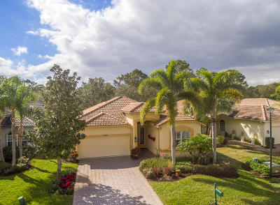 Port Saint Lucie Single Family Home For Sale: 7648 Greenbrier Circle