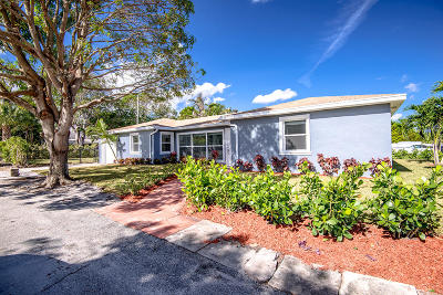 Lake Worth Single Family Home For Sale: 829 S M Street