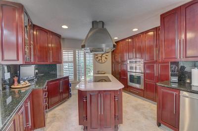 Delray Beach Condo For Sale: 7473 Glendevon Lane #405