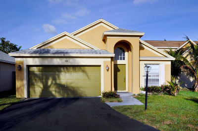 Boynton Beach Single Family Home For Sale: 44 Gull Way