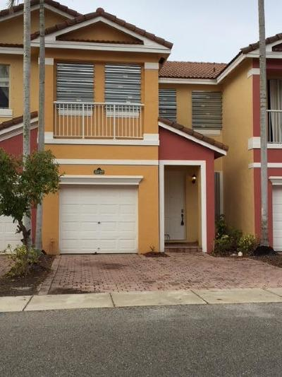 Royal Palm Beach Townhouse For Sale: 2280 Shoma Drive