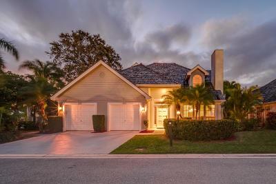 Palm Beach Gardens Townhouse For Sale: 205 Woodsmuir Court