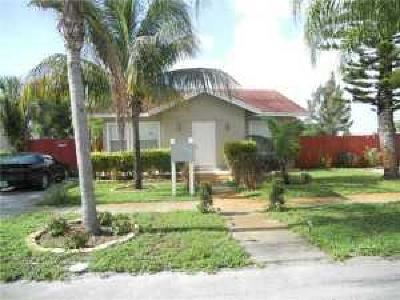 West Palm Beach Single Family Home For Sale: 520 Valley Forge Road
