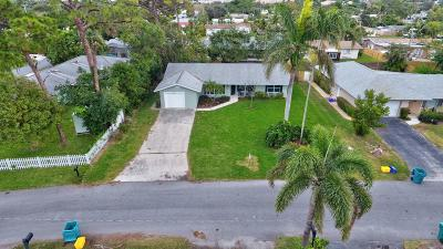 Boynton Beach FL Single Family Home For Sale: $390,000