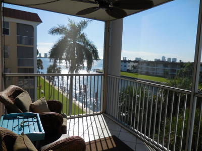 North Palm Beach Condo For Sale: 104 Paradise Harbour Boulevard #415