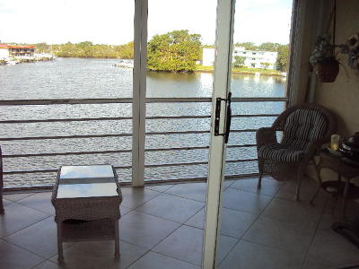 North Palm Beach Condo For Sale: 313 Lake Circle #311 & Dock
