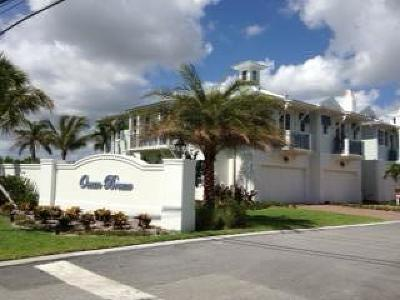 Juno Beach Townhouse For Sale: 118 Ocean Breeze Drive