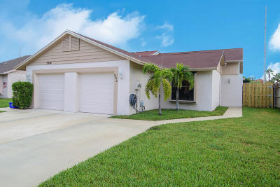 Lake Worth Single Family Home For Sale: 7940 Aztec Court