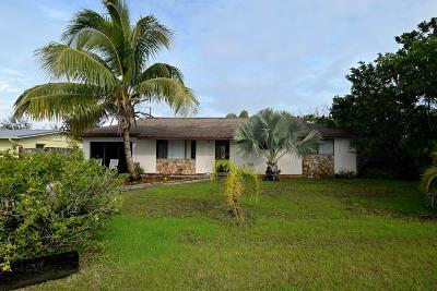 Jensen Beach Single Family Home For Sale: 1495 NE Silver Maple Way