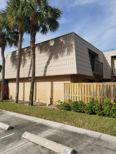 West Palm Beach Townhouse For Sale: 6816 68th Way
