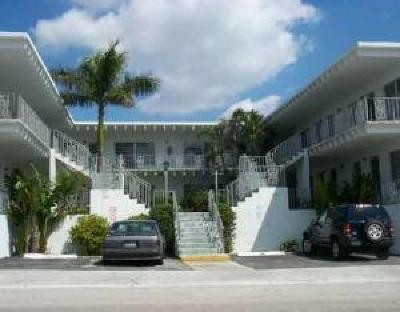 Lake Worth Condo For Sale: 1520 Lake Avenue #2b