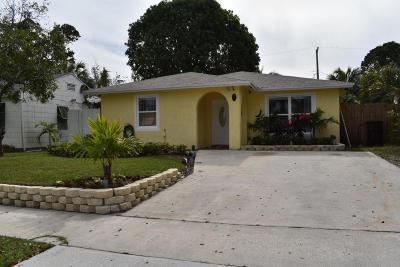 West Palm Beach Single Family Home For Sale: 814 Colonial Road